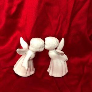 Giftco vintage porcelain kissing angels